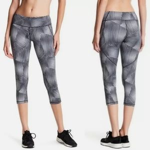 3 for $25 Z by Zella Geo Print Cropped Leggings